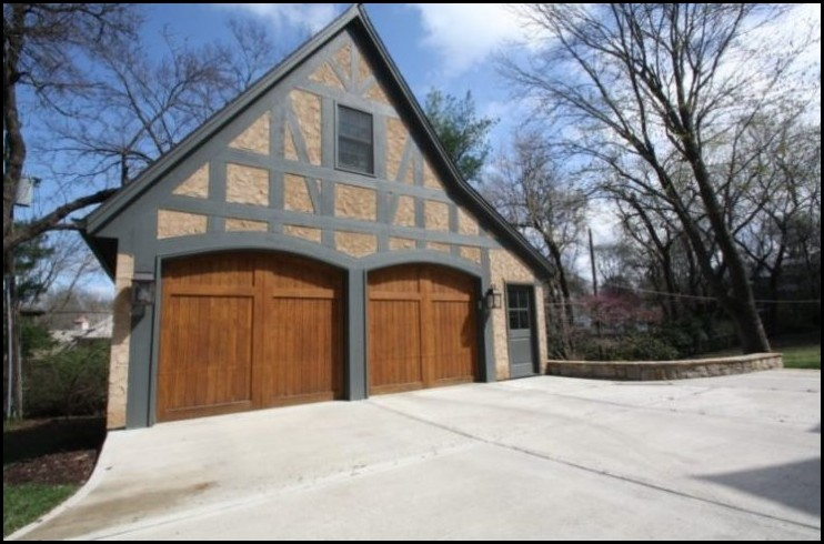 Detached-Garage-in-Half-Timbered-Style
