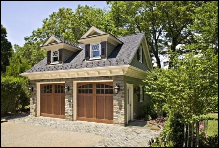 Detached-Garage-with-Slab-Stone-Facade