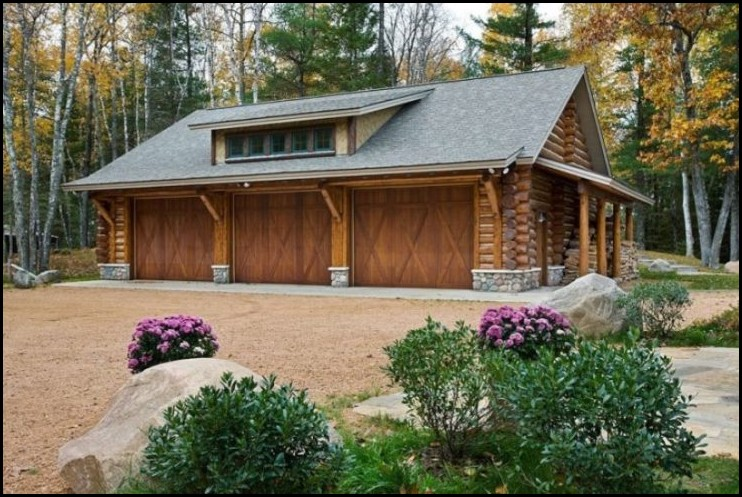Rustic-Detached-Garage-in-Log-Cabin-Style