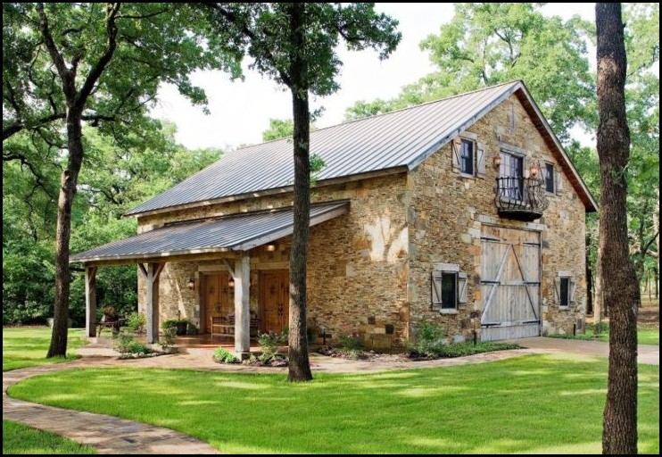 Vintage-Barndominium-with-Rock-Wall
